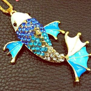 NWT🐟 Betsey Johnson Blue Rhinestone Fish Necklace